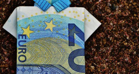 the-last-shirt-dollar-bill-20-euro-folded-128878