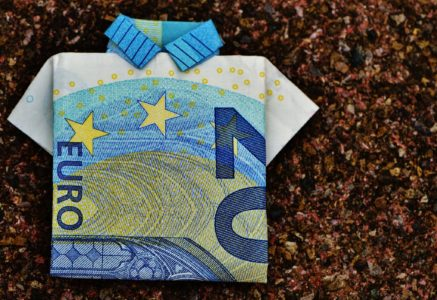 the-last-shirt-dollar-bill-20-euro-folded-128878