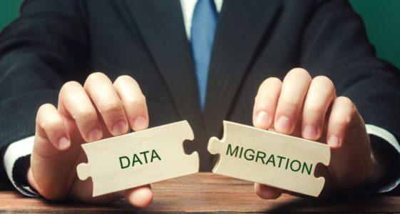 data-migration-data-migration-transformation-concept-migrating-application-migration-synchronization_t20_e9Km1K